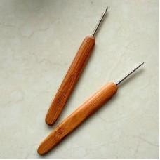 Крючок 2.5 с деревянной ручкой