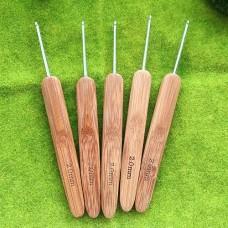 Крючок 2.0 с деревянной ручкой