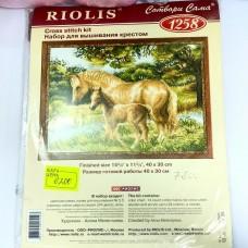 """Набор для вышивания крестом """"Лошадь с жеребенком"""" (Riolis)"""